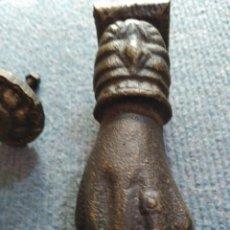 Antigüedades: ANTIGUA ALDABA LLAMADOR PUERTA EN HIERRO COMPLETA FORJA SIGLO XIX . Lote 149141590