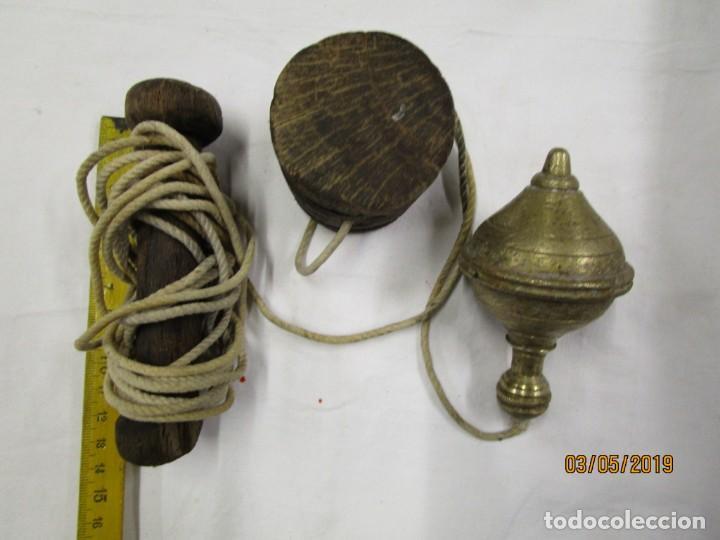 Antigüedades: ANTIGUA PLOMADA NIVEL DE ALBAÑIL CONSTRUCCION, BRONCE, DE LOS 50'S EN ESTADO DE USO + INFO Y FOTOS. - Foto 2 - 149366910