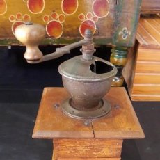 Antigüedades: MOLINO , MOLINILLO ANTIGUO Y MANUAL DE CAFE. Lote 147651742