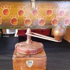 Antigüedades: MOLINO , MOLINILLO ANTIGUO Y MANUAL DE CAFE. Lote 147652322
