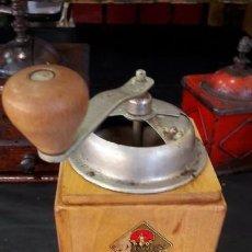 Antigüedades: MOLINO , MOLINILLO ANTIGUO Y MANUAL DE CAFE. Lote 147653110