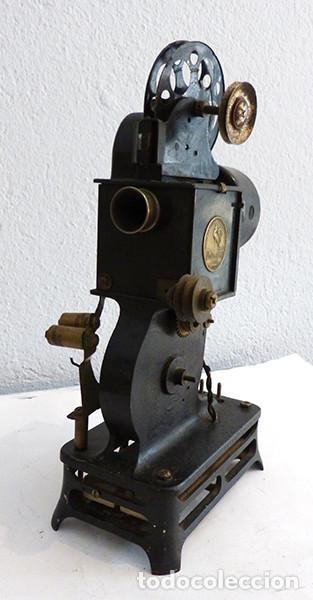 Antigüedades: Proyector Pathé Baby 1 - Foto 3 - 149455638