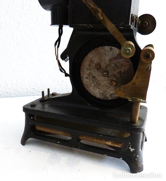 Antigüedades: Proyector Pathé Baby 1 - Foto 6 - 149455638
