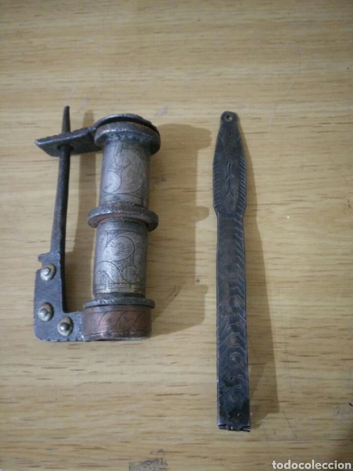 CANDADO LABRADO (Antigüedades - Técnicas - Cerrajería y Forja - Candados Antiguos)