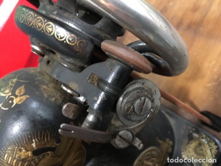 Antigüedades: Maquina de coser singer con mesa - Foto 4 - 149533214