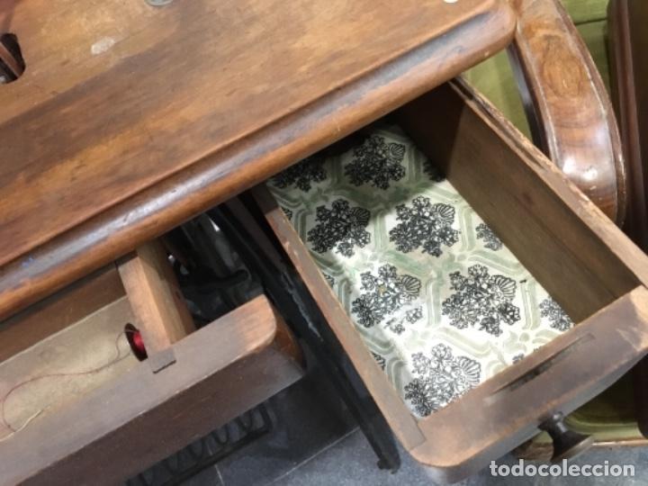 Antigüedades: Maquina de coser singer con mesa - Foto 13 - 149533214