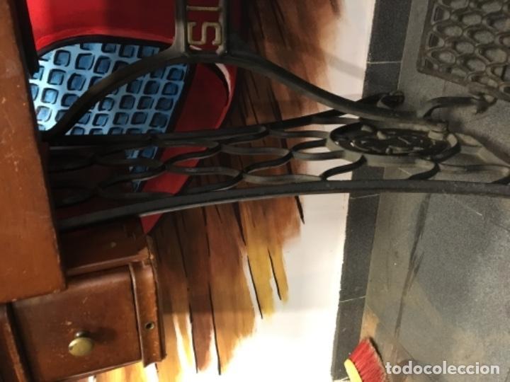Antigüedades: Maquina de coser singer con mesa - Foto 16 - 149533214