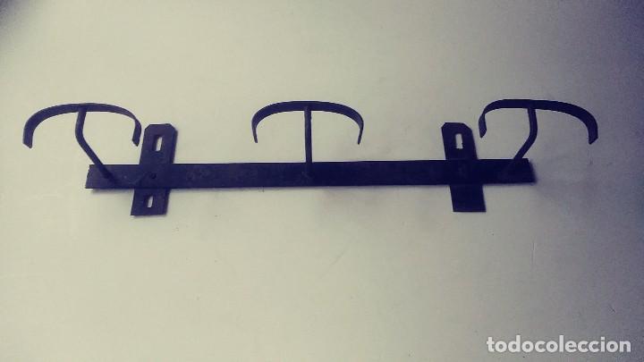 Antigüedades: perchero de hierro forjado - Foto 3 - 149542198