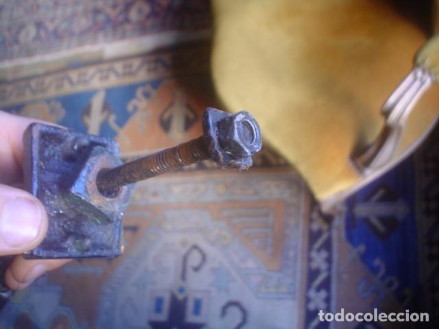 Antigüedades: llamador de puerta en fundición mano - Foto 3 - 149604026