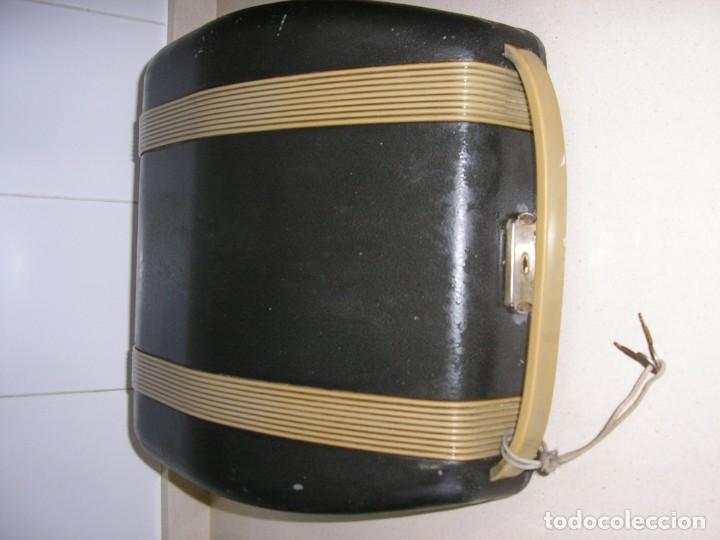 Antigüedades: MAQUINA DE ESCRIBIR ADLER ,ANTIGUA - Foto 2 - 149670402