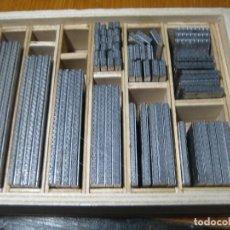 Antigüedades: IMPRENTA, CAJA DE ORLAS DE LINOTIPIA. Lote 232029570