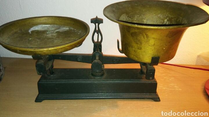 Antigüedades: Balanza antigua con 2 platos antiguas - Foto 10 - 149834510