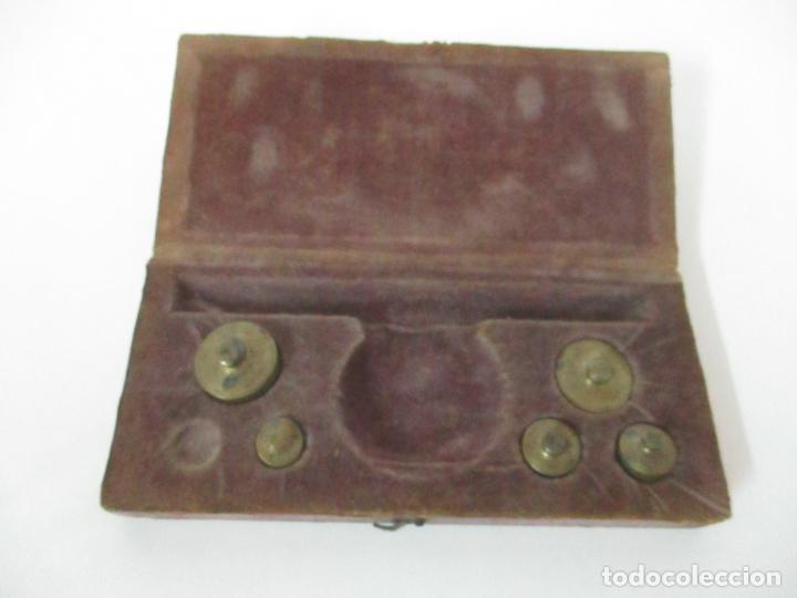 Antigüedades: Balanza - Bascula Pesa Monedas - con Pesas y Ponderales - con Caja de Madera - S. XIX - Foto 8 - 149930174