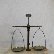 Antigüedades: BALANZA DE PRECISION GRANATARIO . Lote 150059526