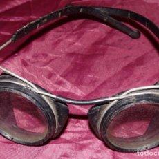 Antigüedades: GAFAS DE SOLDADOR MUY ANTIGUAS. Lote 150063494