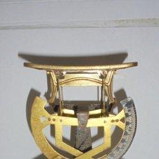 Antigüedades: (M) ANTIGUA BALANZA / BASCULA PARA PESAR CARTAS ...??? DE METAL Y HIERRO 15X10,5 CM. . Lote 150088150