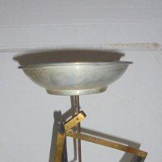 Antigüedades: (M) ANTIGUA BALANZA / BASCULA DE METAL , HIERRO, ALUMNIO - 25 CM. DE ALTURA X17 CM. . Lote 150089846
