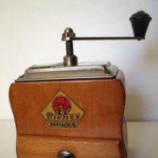 Antigüedades: MOLINILLO DE CAFÉ MARCA DIENES. MODELO 750. ALEMANIA. CA. 1950/1960. Lote 150200486