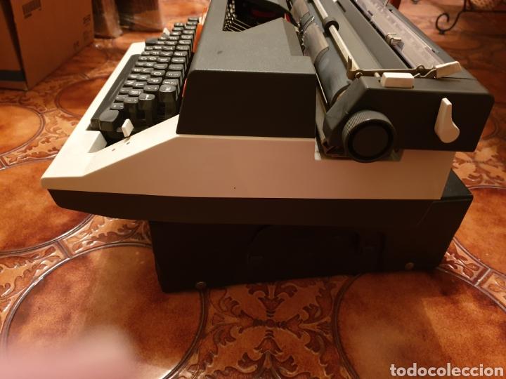 Antigüedades: Máquina de escribir Olympia - Foto 3 - 150240765