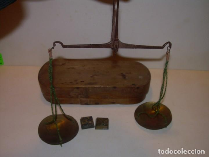 Antigüedades: ANTIGUA BALANZA CON DOS PESAS CUÑOS DE BARCELONA..CON SU CAJA ORIGINAL. - Foto 7 - 150308378
