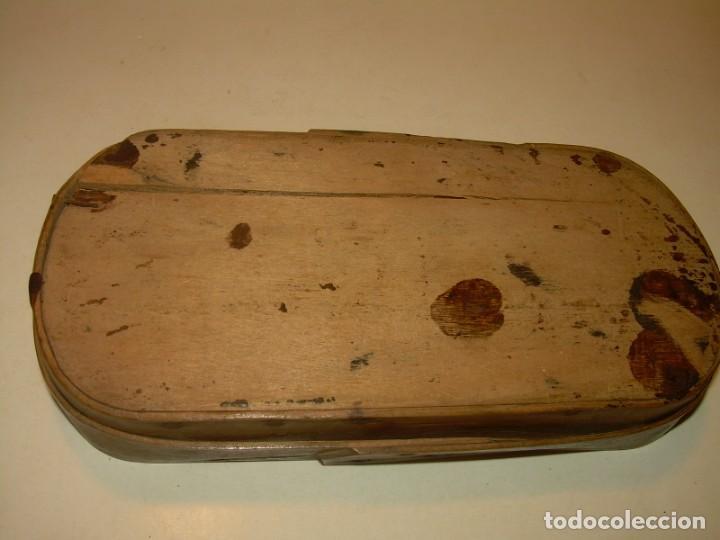 Antigüedades: ANTIGUA BALANZA CON DOS PESAS CUÑOS DE BARCELONA..CON SU CAJA ORIGINAL. - Foto 9 - 150308378