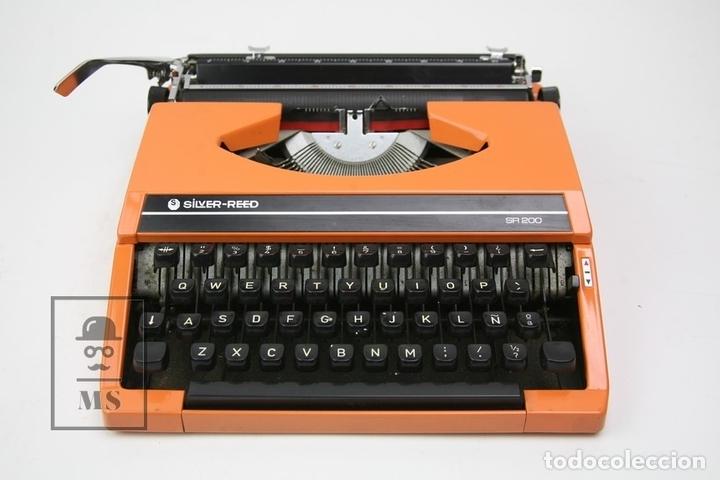 MÁQUINA DE ESCRIBIR - SILVER REED SR 200 - AÑOS 60 - COLOR NARANJA - CON CAJA (Antigüedades - Técnicas - Máquinas de Escribir Antiguas - Otras)