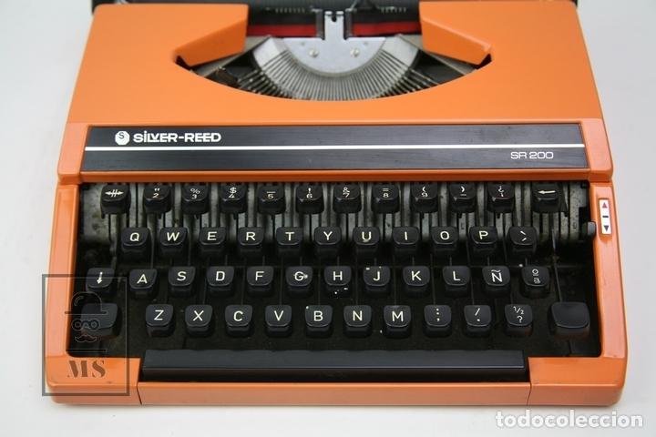 Antigüedades: Máquina De Escribir - Silver Reed SR 200 - Años 60 - Color Naranja - Con Caja - Foto 2 - 150363713