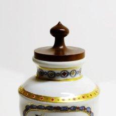 Antigüedades: RARO ALBARELO BOTÀMEN USADO EN ALQUIMIA CON TAPA DE MADERA - PLOMO CALCINADO - PINTADO A MANO. Lote 150516306