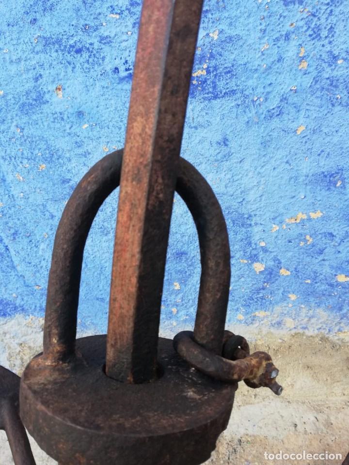 Antigüedades: ANCLA O SIMILAR ANTIGUA DE 1 METRO Y 44 CMS. TOTAL 63 CMS. HASTA EL ENGANCHE DE LADO MIDE 64 CMS. - Foto 8 - 150548790
