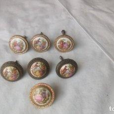 Antigüedades: LOTE DE 7 TIRADORES PORCELANA DE FRAGONARD ANTIGUOS. Lote 150661262