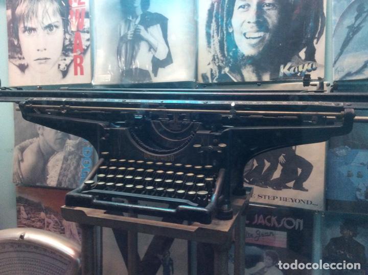 Antigüedades: Espectacular oportunidad máquina escribir underwood con carro diferente a todas de 1.05 metros. - Foto 4 - 150804266