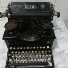 Antigüedades: MÁQUINA DE ESCRIBIR ROYAL.. Lote 150821670