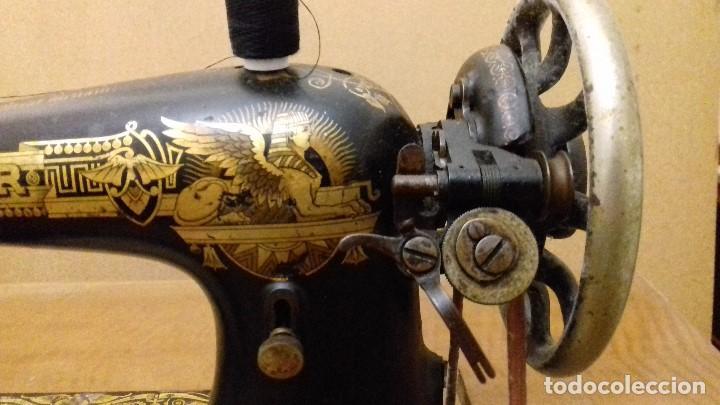 Antigüedades: Máquina de coser Singer funcionando - Foto 4 - 150842270