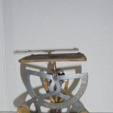 Antigüedades: (M) ANTIGUA BALANZA / BASCULA - PARA PESAR CARTAS METAL - HIERRO ORIGINAL COLUMBUS IMPORTE D'ALLEMAG. Lote 150922810