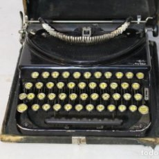 Antigüedades: REMINGTON PORTABLE CON MALETIN, EN ESTADO DE USO.. Lote 150956606