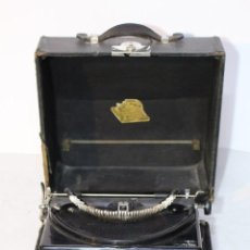 Antigüedades: REMINGTON PORTABLE CON MALETIN, EN ESTADO DE USO.. Lote 150956606