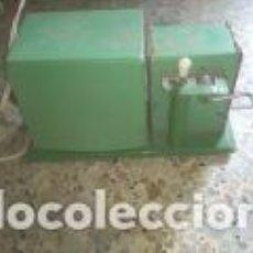 Antigüedades: PROYECTOR EN BUEN ESTADO. Lote 151070550