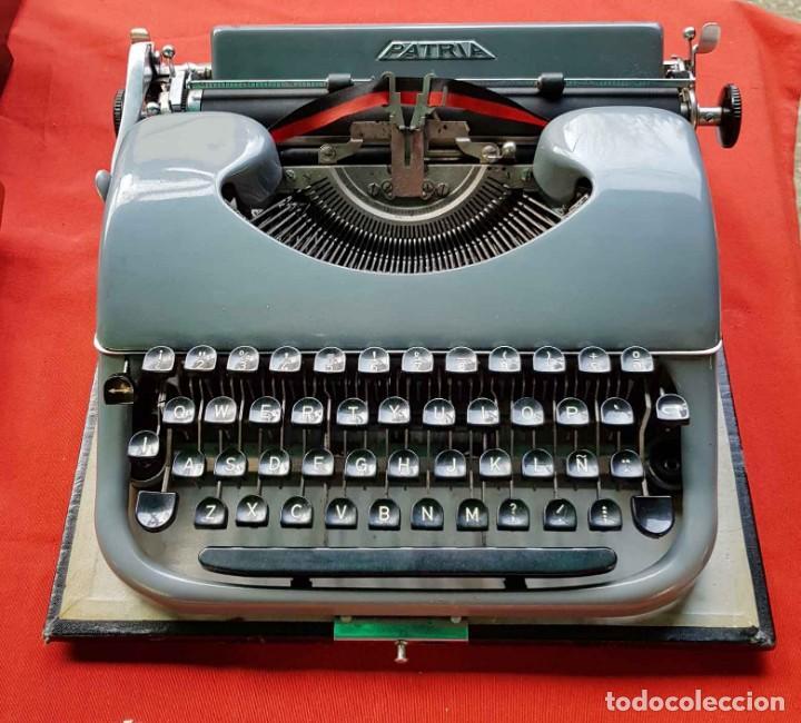 MAQUINA DE ESCRIBIR PATRIA (Antigüedades - Técnicas - Máquinas de Escribir Antiguas - Patria)