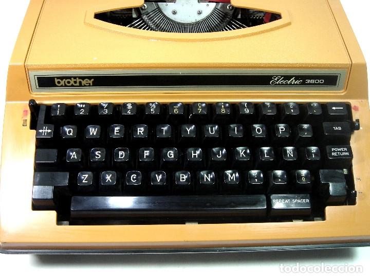 Antigüedades: MAQUINA ESCRIBIR ELECTRICA-BROTHER ELECTRIC 3600- JAPAN 1980 + MALETA TRANSPORTE - Foto 6 - 151161738