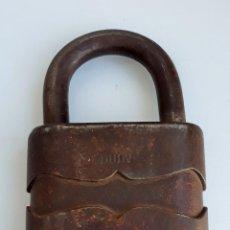 Antigüedades: FORTISIMO CANDADO DULN. NUMERO 75L. CON LLAVE. Lote 151264634