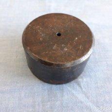Antigüedades: PESA PONDERAL 750 GR ROMANA. Lote 151334238