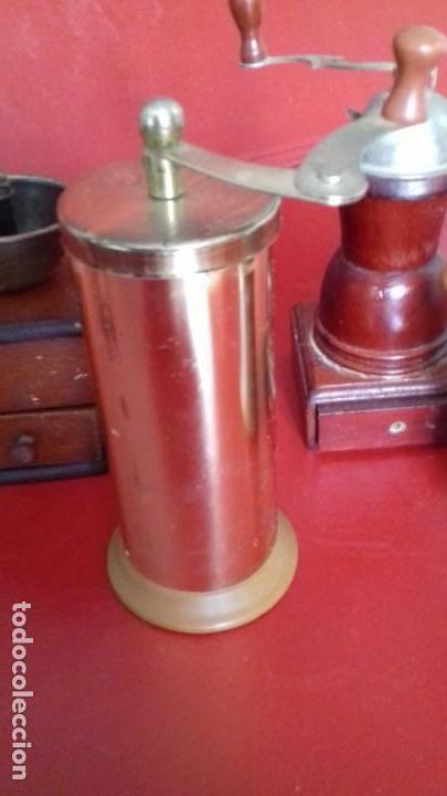 Antigüedades: MOLINILLOS DE CAFÉ MINI. COLECCIÓN DE 4 UNIDADES. PRECIOSAS RÉPLICAS PARA DECORACIÓN - Foto 4 - 151522294