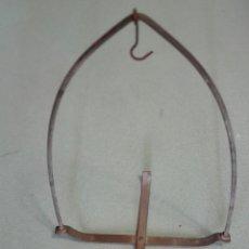 Antigüedades: PARTE DE BALANZA DE FARMACIA.. Lote 151591798