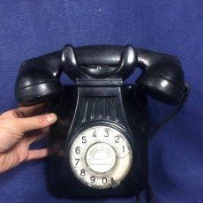 Teléfonos: TELEFONO ANTIGUO AÑOS 50 BAQUELITA NEGRA INTERRUPTOR CTNE TELEFONICA 25X16CMS. Lote 151872922