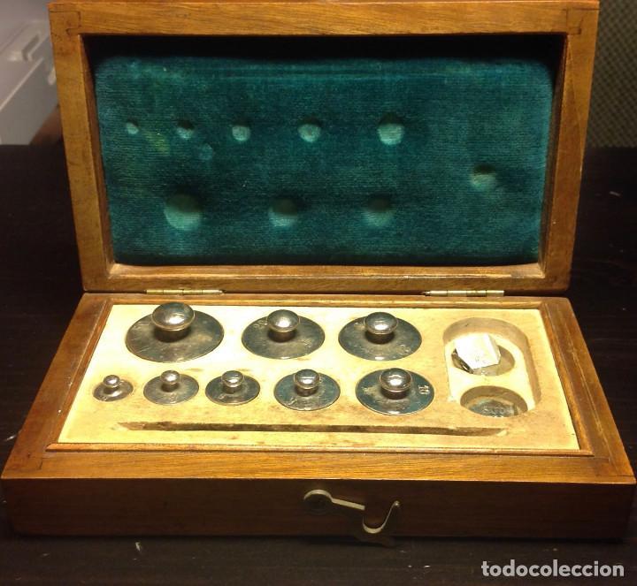 JUEGO DE PESAS DE PRECISIÓN (50GR) (Antigüedades - Técnicas - Medidas de Peso - Ponderales Antiguos)