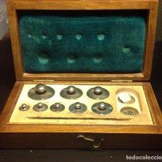 Antigüedades: JUEGO DE PESAS DE PRECISIÓN (50GR). Lote 151903538