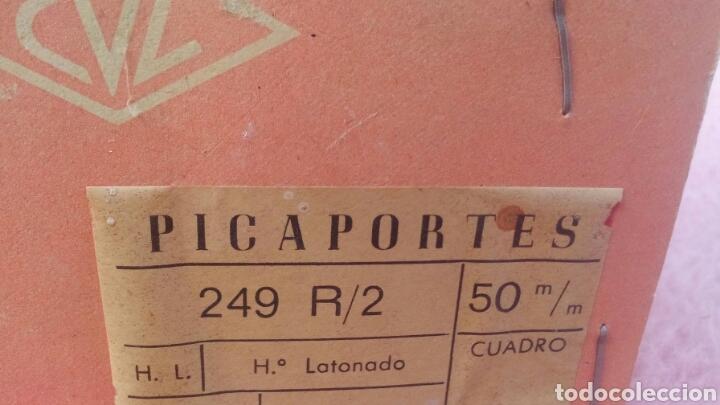 Antigüedades: CAJA DE PICAPORTES ANTIGUOS DE FERRETERIA - Foto 2 - 151945017