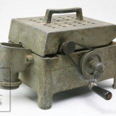 Antigüedades: ANTIGUA MÁQUINA CONTADORA / CONTADOR DE MONEDAS - SEGUNDA MITAD SIGLO XX - #E01. Lote 151946926
