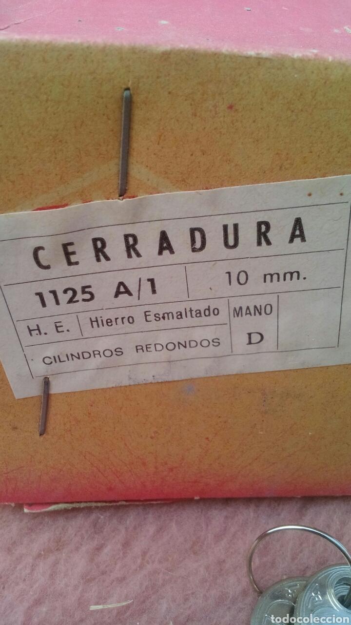 Antigüedades: ANTIGUA CERRADURA EN CAJA A ESTRENAR, DE FERRETERIA - Foto 2 - 151947446