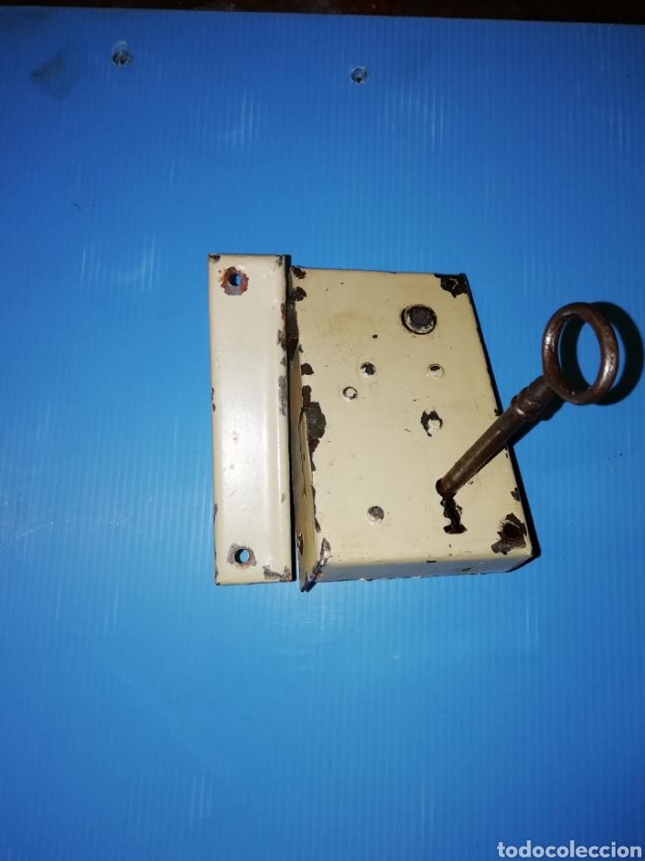 Antigüedades: Cerradura con llave y manilla - Foto 2 - 152056956
